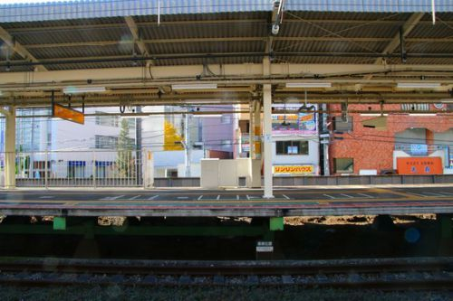 横浜線 町田駅ホームドア使用開始