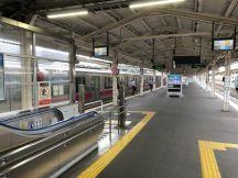 青森駅から始発普通弘前行きに乗車して出勤開始