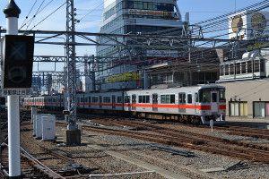 阪神尼崎駅にて(2017.3.12) -5700系ジェット・シルバーBL賞ラッピング列車を求めて。(前編)