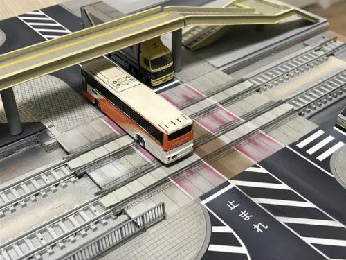 有松駅…歩道・車道を塗装… ③