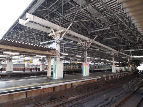 JR新橋駅の大屋根