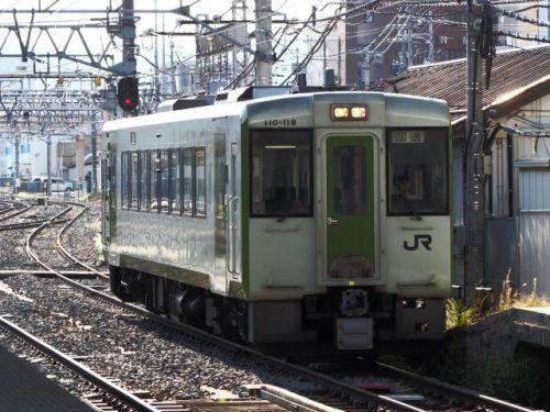 小海線(10/9):長野駅に小海線気動車