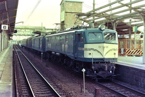 サルベージ画像(最後近いEF58荷物列車)