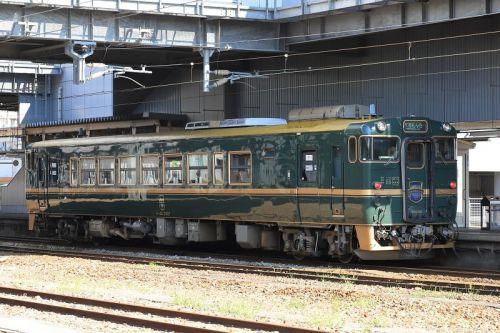 観光列車「べるもんた」を撮影~高岡駅にて_19/08/03