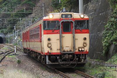 新潟の国鉄キハたちのこと~いつまでも走り続けて、国鉄形!(2)国鉄色編