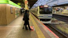 錦糸町駅から快速東京行き(終点まで各駅に停車)に乗車