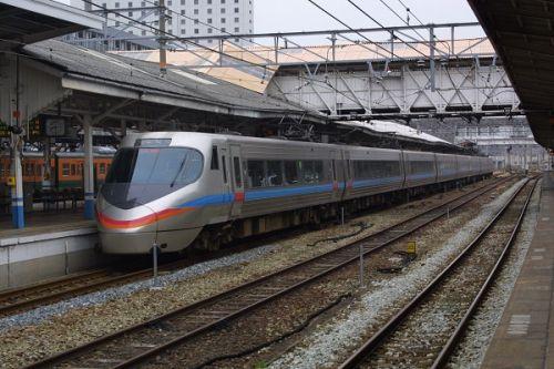 2019年8月の岡山・広島・鳥取・兵庫旅行 6 岡山駅に発着したJR四国の車両 8000系
