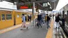 終点播州赤穂駅で始発普通新見行きに同一ホーム2分差乗り換え