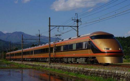 臨時列車「日光紅葉夜行」を10月中に6日間運行 東武鉄道