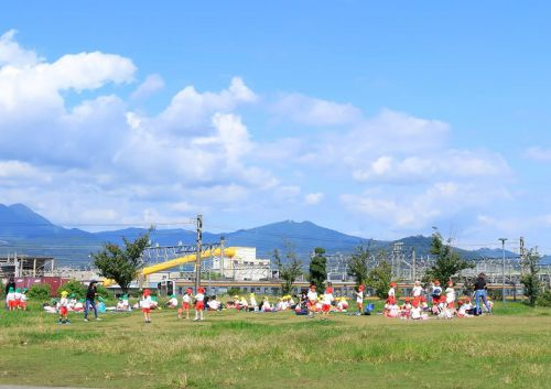 東静岡駅近く 池田東静岡公園で遊ぶ子供たち (2020年10月 オマケはシェアサイクル)