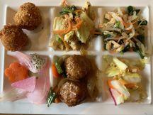 あ・ら・伊達な道の駅カレーバイキング1150円、まずはお惣菜2皿!