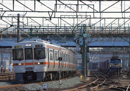 浜松発 朝8時台の特別快速 (2009年3月 西浜松駅付近 あの年の春)