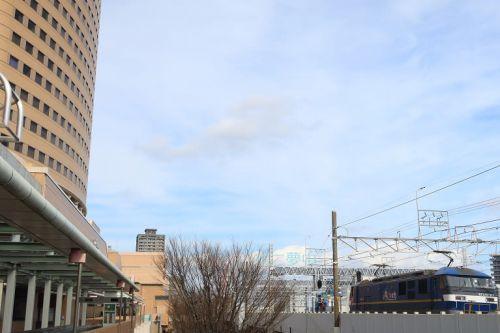 東海道本線は浜松駅付近、15時台に通過する上り貨物列車 (2021年2月)