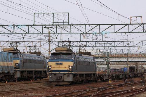 西浜松駅、EF66 0番台同士の離合 (2009年3月8日)