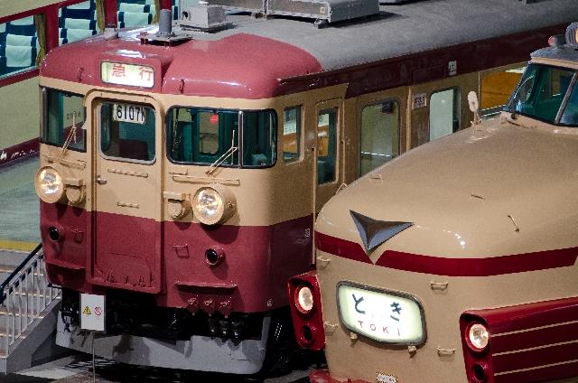 緑帯の養老鉄道7700系TQ06